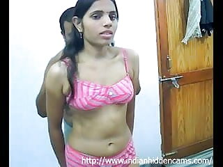 कोयल चूसने वाला दोनों छेद फैला हुआ हो हिंदी में फुल सेक्स मूवी जाता है
