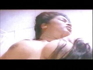 संचिका लड़कियां एक बड़ा जबरदस्ती सेक्सी वीडियो फुल मूवी सफेद मुर्गा साझा करती हैं और फिर सहवास करती हैं