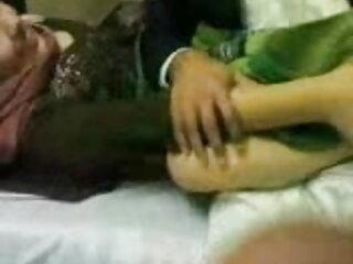 रेडहेड बस्टी और आकर्षक रेबेका लेन एक फुल मूवी वीडियो में सेक्सी सोफे बिस्तर पर चुदाई