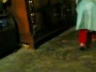 एक संपूर्ण शरीर के साथ शौकिया श्यामला फुल सेक्सी मूवी वीडियो में कैमरे पर हस्तमैथुन करती है
