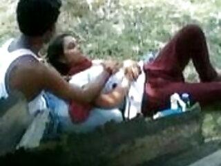 लड़कियों ने सेक्सी सफेद पैंटी को हटा दिया और एक सोफे हिंदी बीएफ फुल मूवी एचडी पर लोगों के साथ त्रिगुट किया