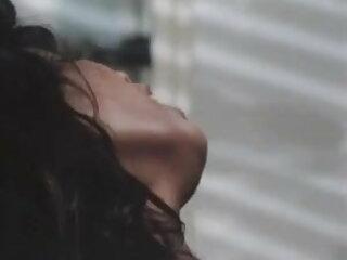 पसंदीदा हिंदी में फुल सेक्सी फिल्म दृश्य # 5