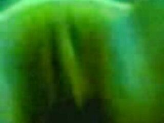 पत्नी फुल मूवी वीडियो में सेक्सी ने दो काले लंड निकाले