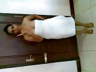 ब्राबस्टर - 1302 सेक्सी फिल्म वीडियो फुल एचडी