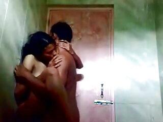 किशोर फूहड़ एक blowjob और सेक्सी वीडियो हिंदी मूवी फुल एचडी सह निगल के लिए पैदा हुआ