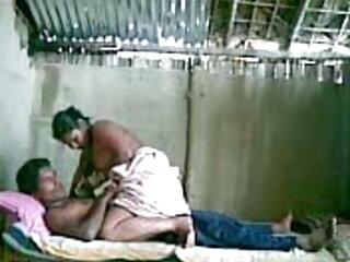मोज़ा फुल सेक्सी मूवी वीडियो में दे रही है मोज़ा में गर्म श्यामला